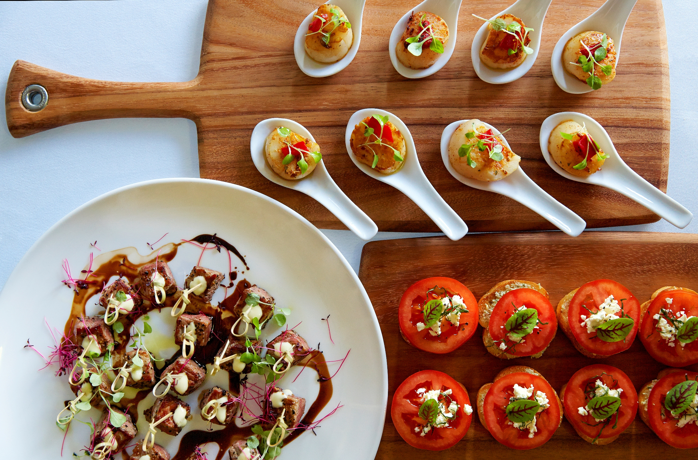 Sydney catering for meetings and eventsholiday inn potts point for Canape catering sydney