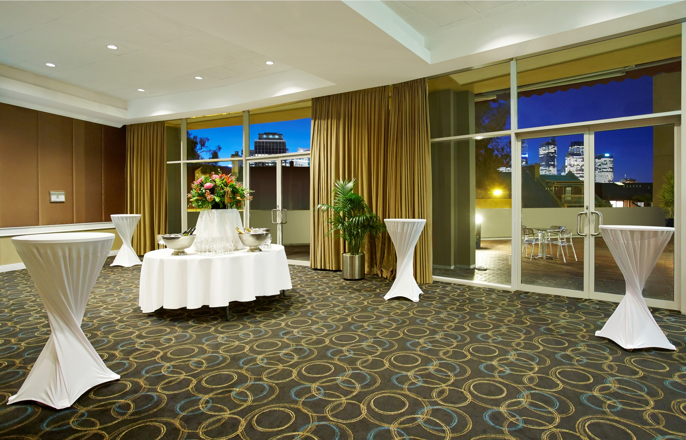 Bluegum Lobby In Holiday Inn Potts Point Set Up For Sydney Conference Drinks Or Networking