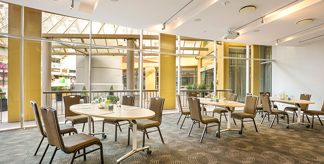 Holiday Inn Potts Point Wattle Room meeting space
