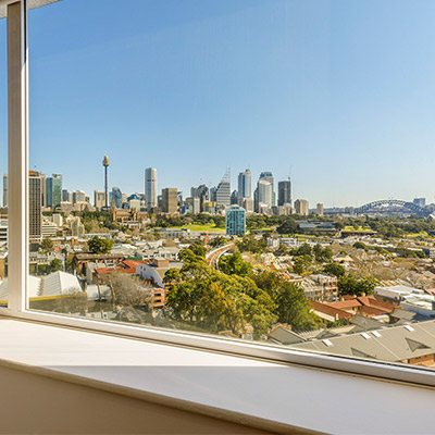 King Harbour View Room at Holiday Inn Potts Point